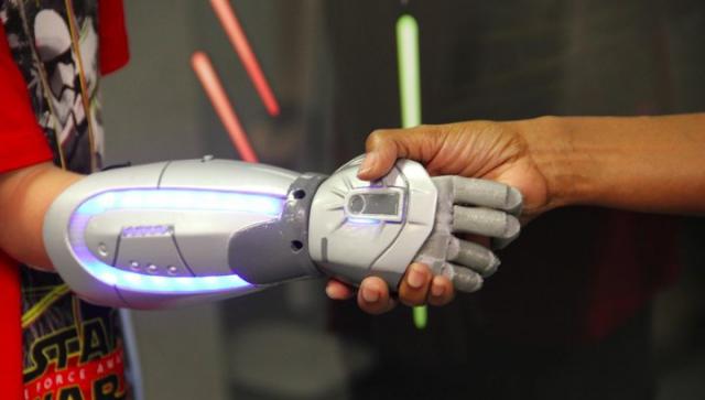 Open Bionics изготовила с помощью 3D-печати самые маленькие бионические протезы