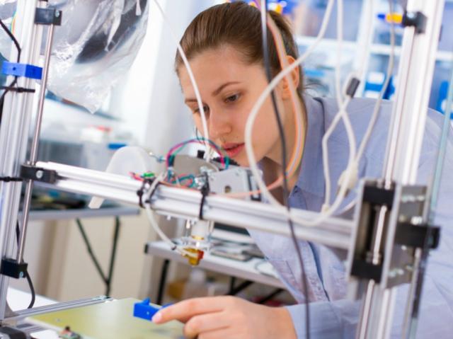От игрушки для гиков до серьёзного бизнеса – эволюция 3D-печати за три года
