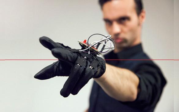 Перчатки для виртуальной реальности от Manus Machina