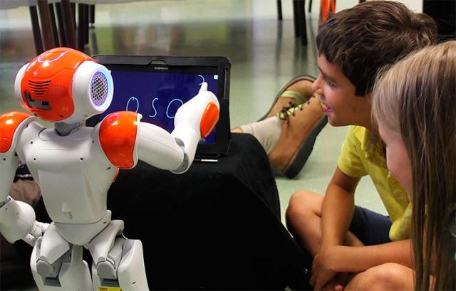 Плюсы и минусы обучения с помощью роботов