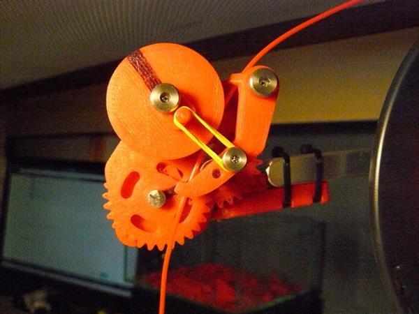 Подсчитайте расход филамента с помощью 3D-печатного счетчика