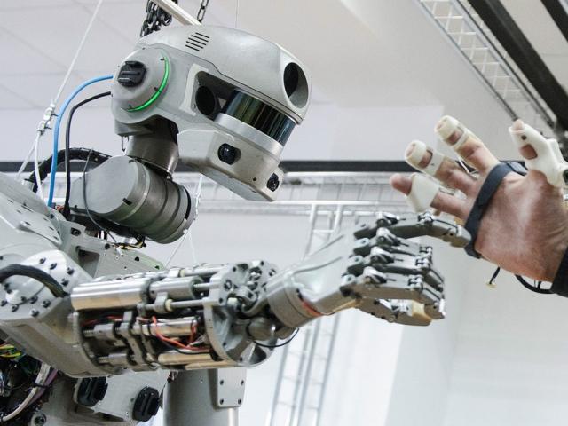 Проблемы современной робототехники: какие есть и как решают?