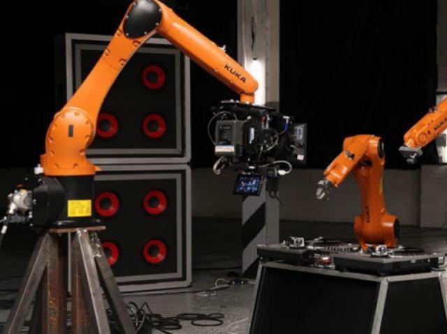 Проект «Автоматика» обнародовал первый альбом музыкальной группы, состоящей из роботов