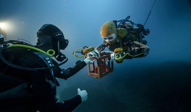 Робот-аватар вивчає судна, що затонули