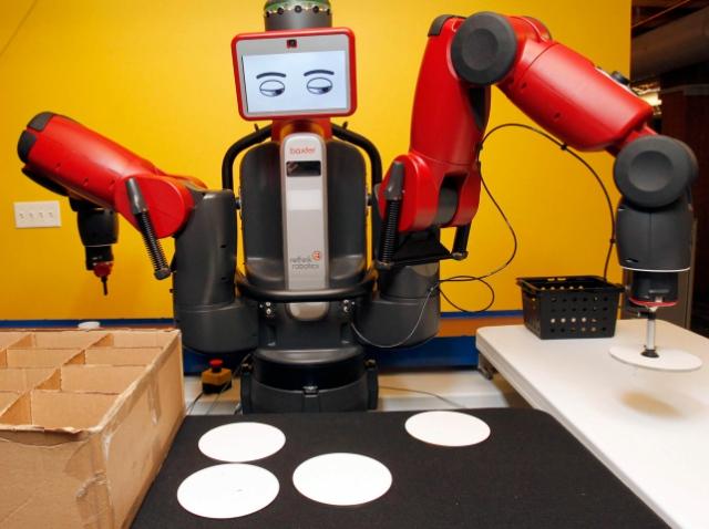 Робот Baxter научился читать по глазам