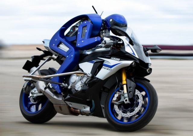Робот-мотоциклист от Yamaha
