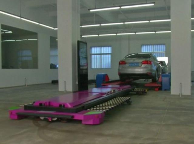 Робот-парковщик заменит человека в Китае