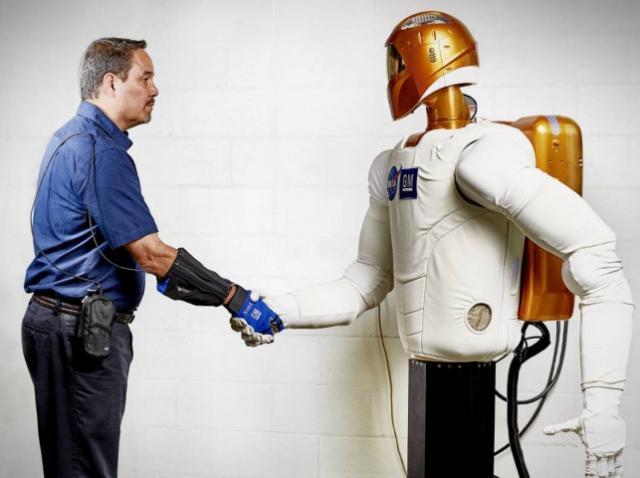 Роботизированная перчатка от General Motors и NASA будет применяться не только в космосе, но и на Земле