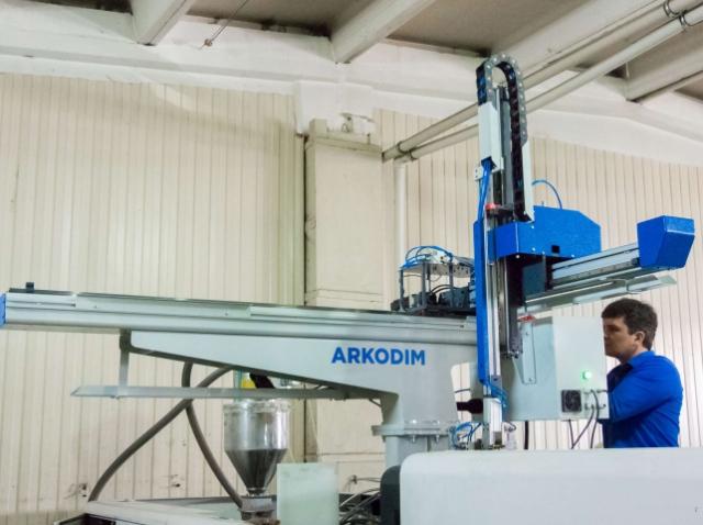Россияне из ARKODIM наладили массовый выпуск недорогих промышленных роботов