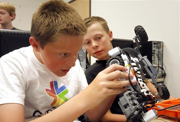 Серия мастер-классов 3D+Robo Kids для обучения юных IT-шников