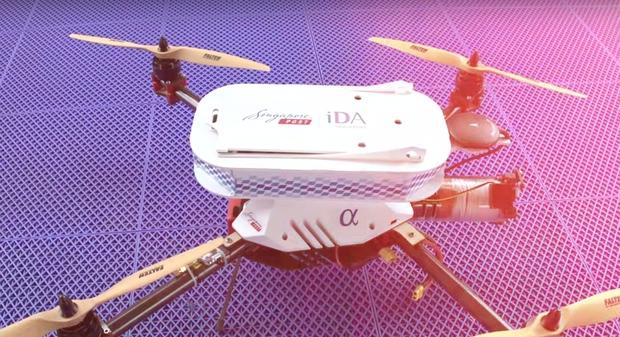 Сингапур протестировал доставку почты дронами