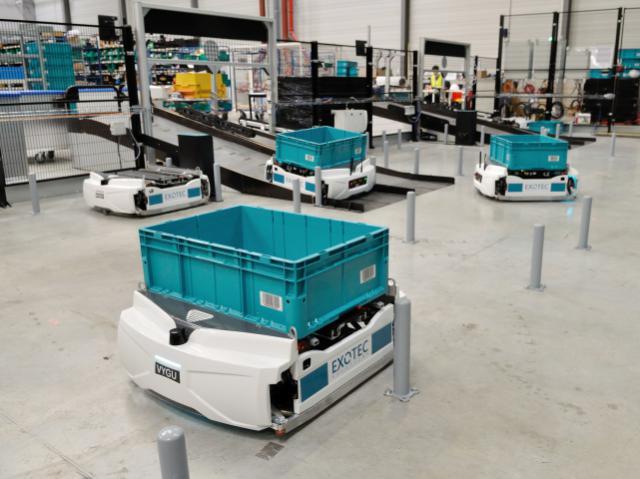 Скоростной AI-робот Skypod способен подниматься на полки складов