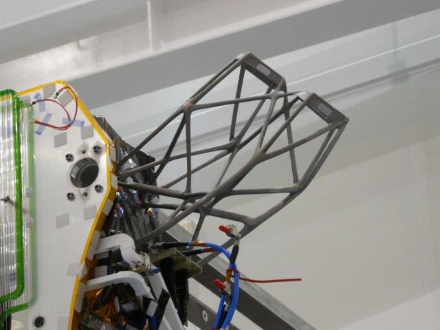 Thales Alenia впервые напечатала на 3D-принтере довольно крупные компоненты для спутников