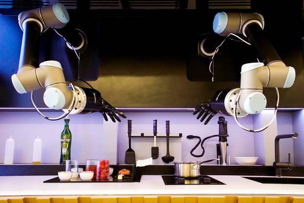 Томские инженеры работают над роботом-поваром