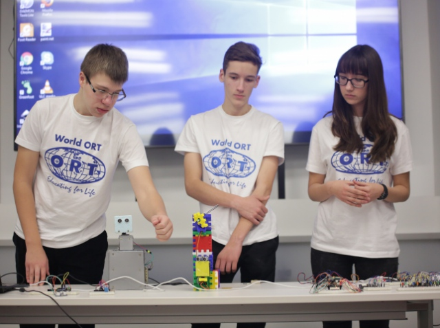 Українські школярі експериментують з Інтернетом речей