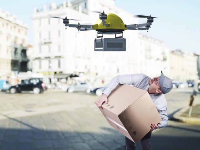 «Укрпочта» планирует доставлять посылки с помощью дронов