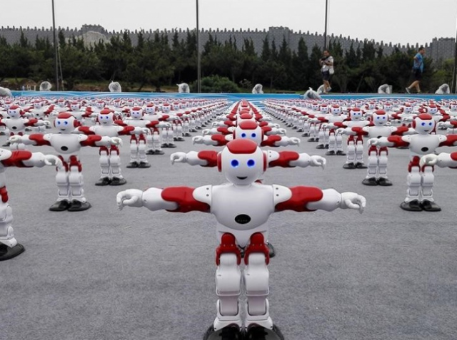 Dancing robots hit the world's all-time high