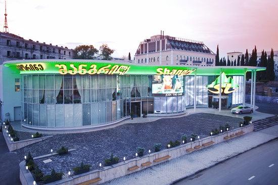 В Грузии российские туристы тратят деньги на казино и прокат автомобилей