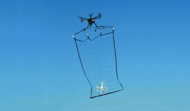 В Японии дроны будут ловить БПЛА сетью
