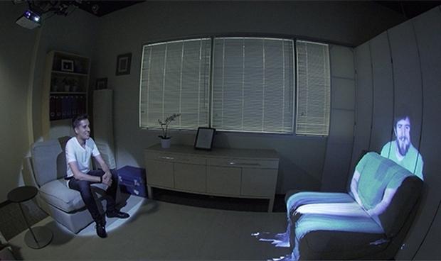 Видеозвонок заменили проекцией человека на пустой стул