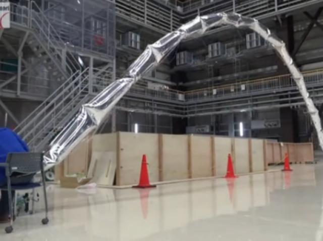 Японцы представили робота, созданного из воздушных шаров