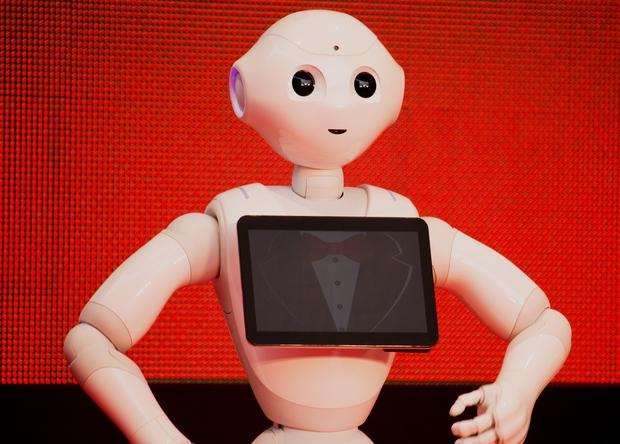 Японцы заменят продавцов-консультантов роботами