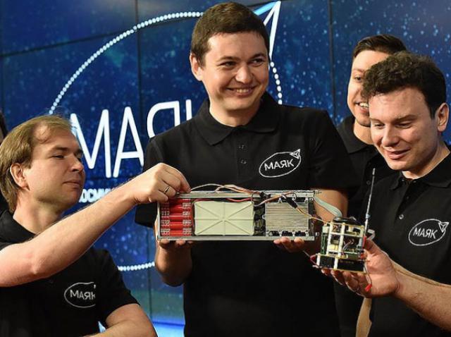 Яркий парус в звёздном небе: российский 3D-печатный спутник «Маяк» отправился в космос