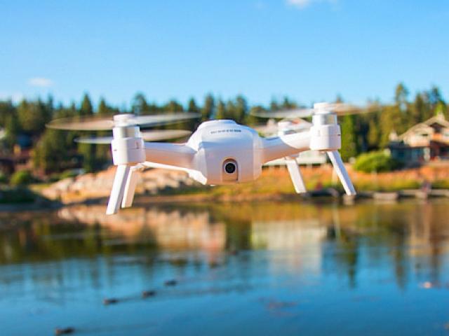 Yuneec presented 4K selfie drone