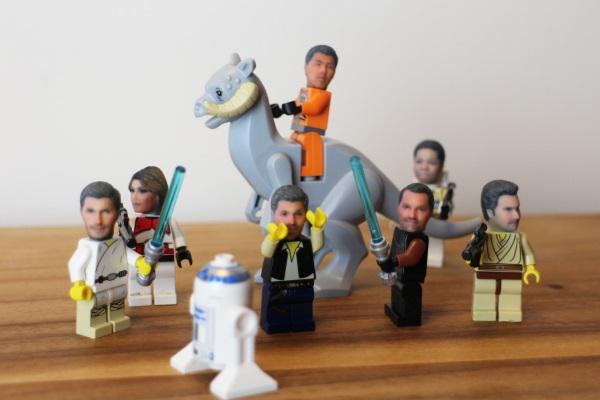 В Британии печатают селфи пользователей для конструктора LEGO
