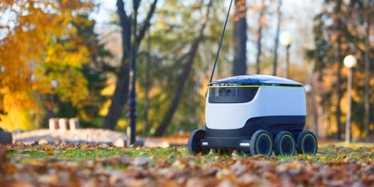 В Европе скоро появятся шестиколесные роботы-курьеры