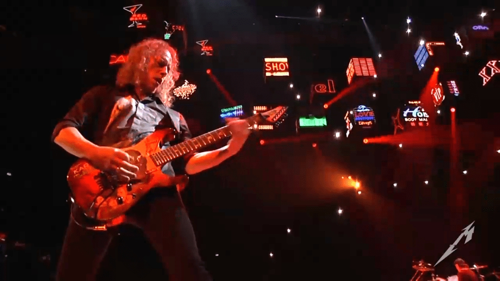 В европейском турне Metallica впервые в истории устроила групповой полет дронов