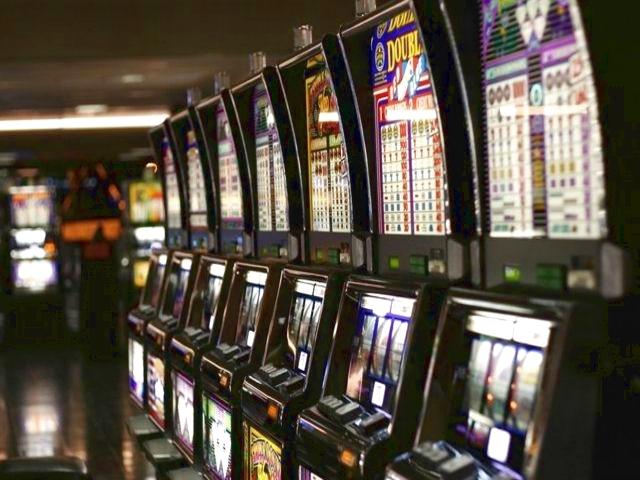 В казино Tigre de Cristal в Приморье начали  установку игровых автоматов