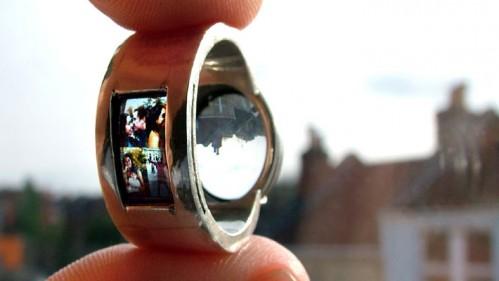 В Китае изготовили кольцо с проектором