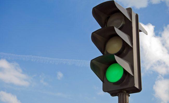 В России «учат» светофоры следить за дорожным движением