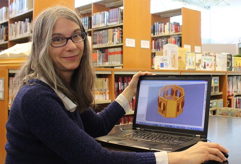 Вики Сомма представила разноцветный 3D-печатный вольер с птицами, созданный на MakerGear M2