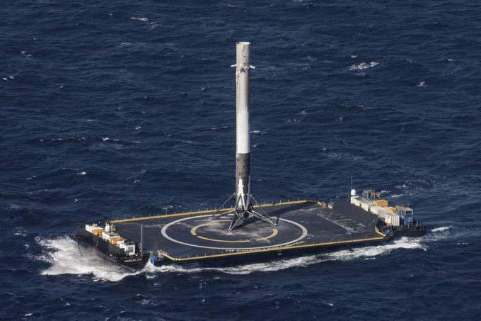Возвращение Falcon 9 и пристыковка Dragon прошли успешно