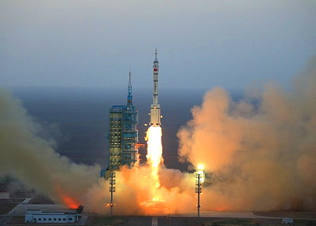 Launch of Chinese spacecraft Shenzhou-11 was successful