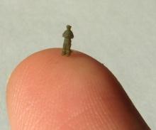 Zealot печатает миниатюрные фигурки высотой 3 мм