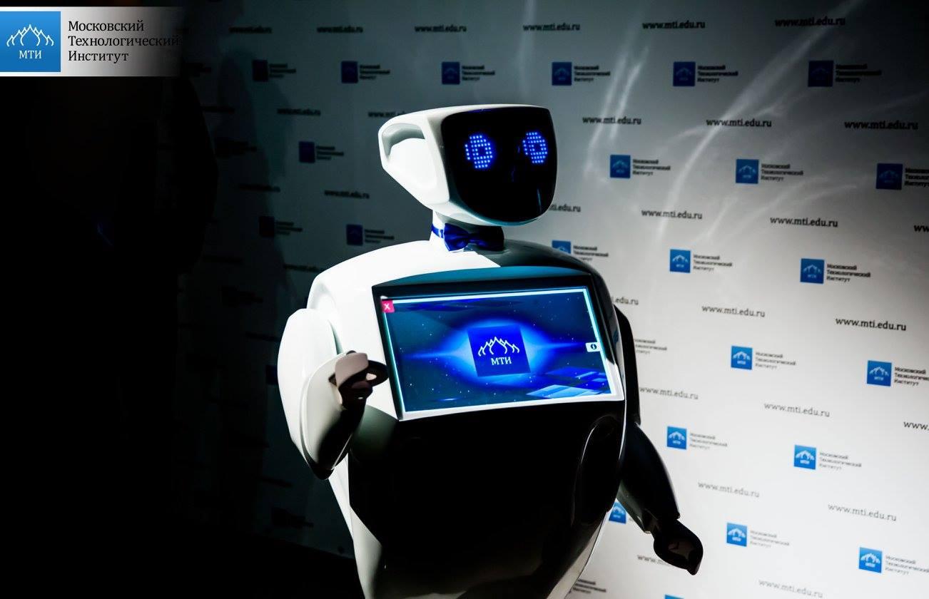 Знакомьтесь: Алантим, социальный робот на RACE
