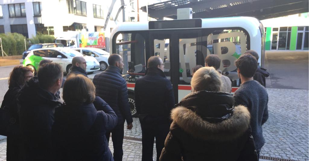 В Берлине начали курсировать первые 3D-печатные беспилотные автобусы Olli