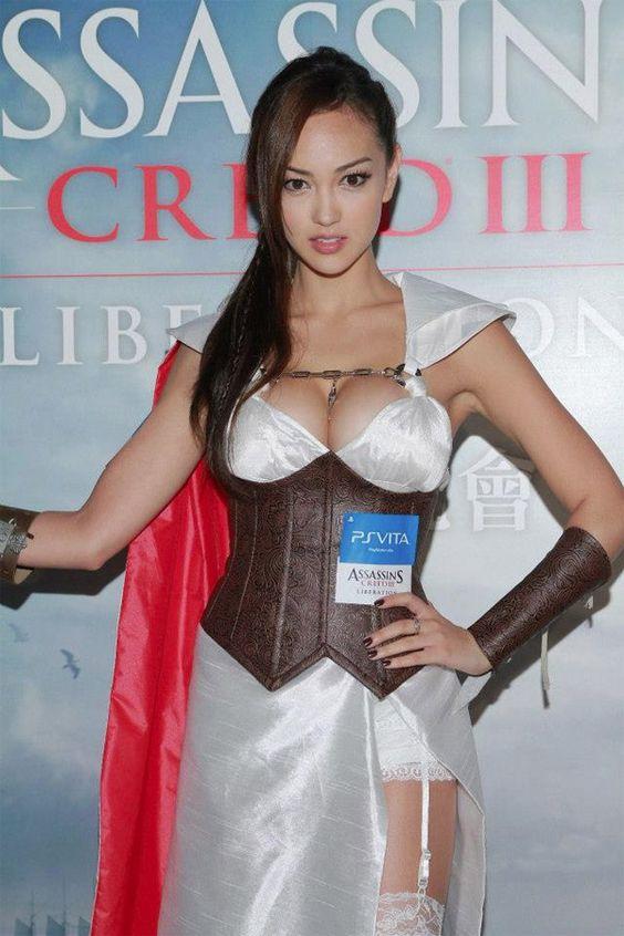 Assassin's Creed в женском исполнении: косплей по героям игры - 5