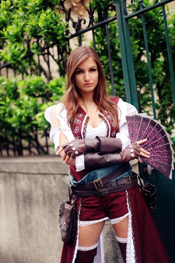 Assassin's Creed в женском исполнении: косплей по героям игры - 11
