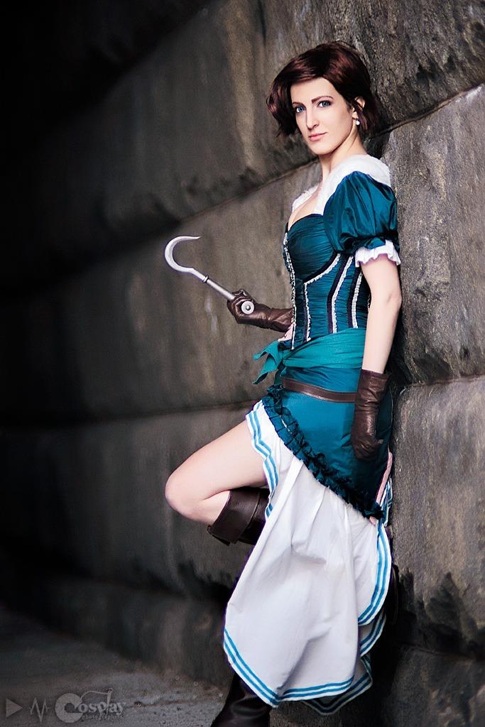 Assassin's Creed в женском исполнении: косплей по героям игры - 18