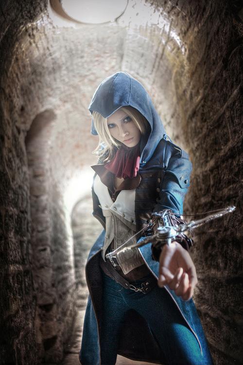 Assassin's Creed в женском исполнении: косплей по героям игры - 17