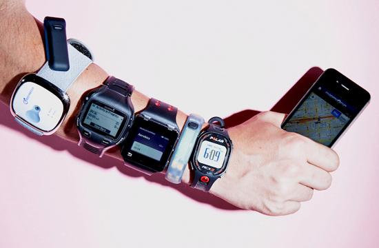 Первый массовый умный гаджет из семейства IoT — это фитнес-треккеры и смарт-часы