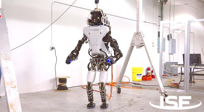 Китай готовит к запуску в космос прямоходящего робота-гуманоида