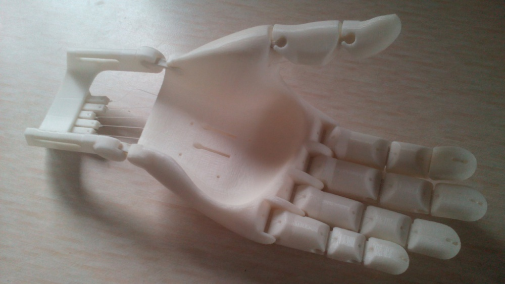 The-Flexy-Hand-The-Most-Innovative-Useful-Realistic-Looking-3D-Printed-Prosthetic-Hand-Yet-3