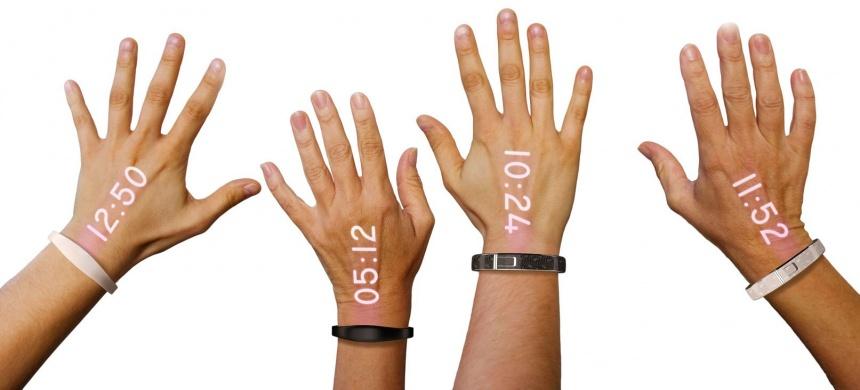 Samsung намеревается выпускать часы, проецирующие информацию на руку пользователя