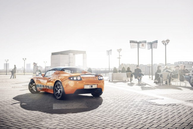 Электромобиль Tesla Roadster Sport