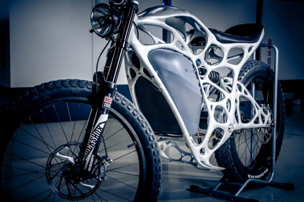 airbus-apworks-unveils-35kg-3d-printed-light-rider-motorcycle 5